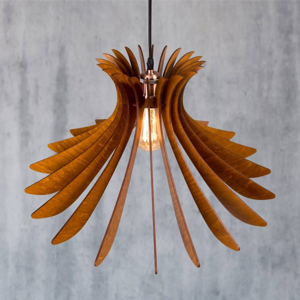 Lustra din lemn handmade 100% produsa in Romania. Alege dintr-o gama variata de lustre de lemn fabricate in Romania