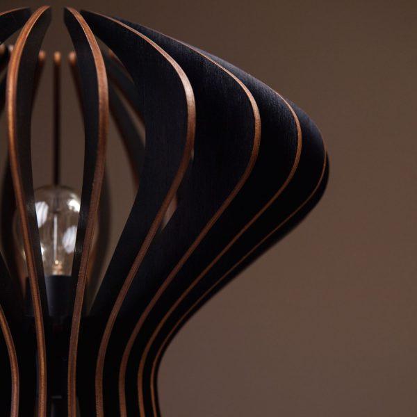 Lampa neagra de birou handmade 100% produsa in Romania