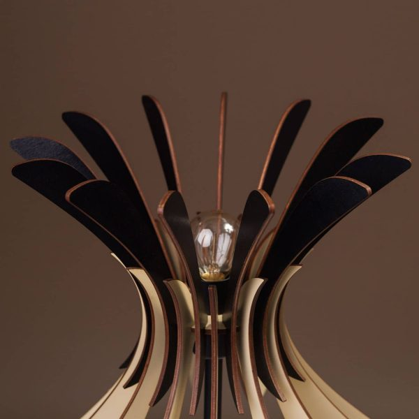 Lampa de masa negru - crem 100% produsa in Romania handmade