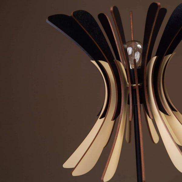 Lampa de birou negru - crem cu bec 100% produsa in Romania handmade
