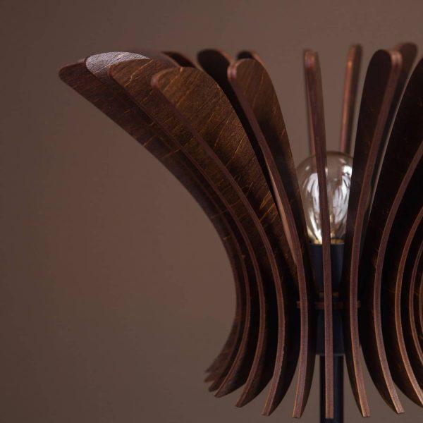 Lampa de birou moderna 100% produsa in Romania handmade. Lampi de masa mici si moderne si lampi de noptiera handmade.