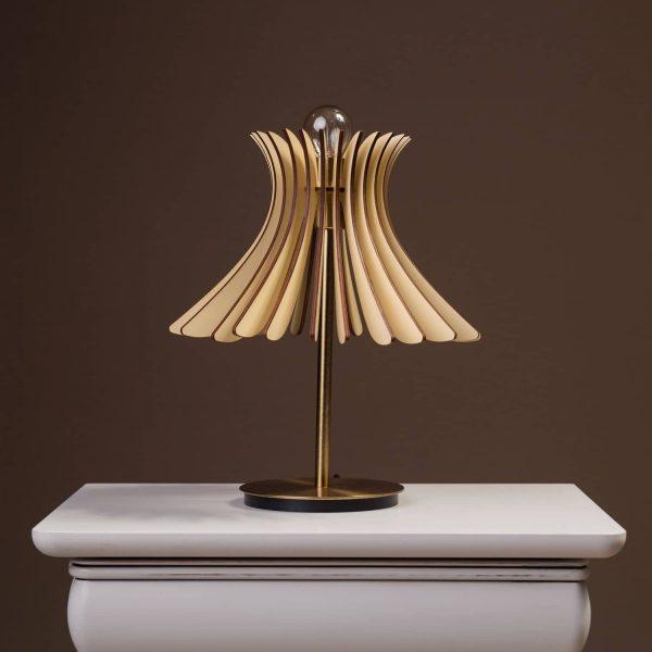 Lampa pentru birou moderna 100% produsa in Romania. Lampi de birou mici si moderne si lampi de birou mari si moderne.