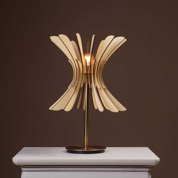 Lampa de masa 100% produsa in Romania. Lampi de masa mici si lampi de masa mari.